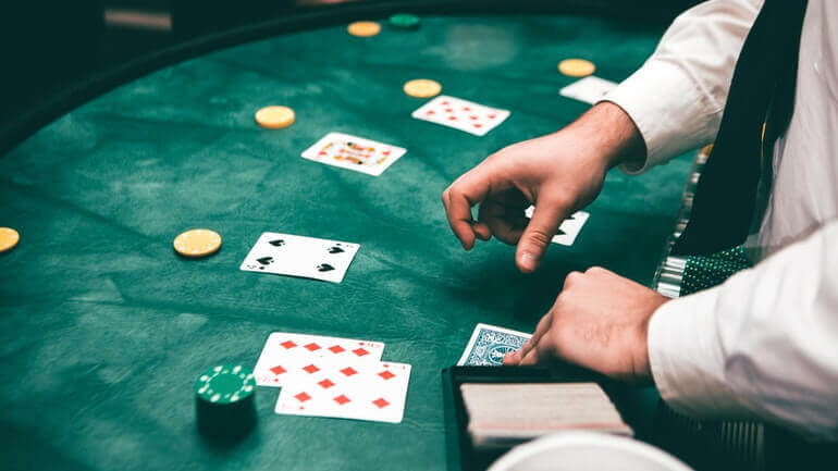 Casino Dealer Tips and Secrets - Featured Image
