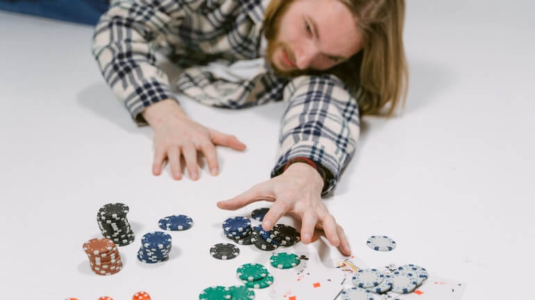 How to Protect Your Assets From Your Gambling Addiction - Featured Image